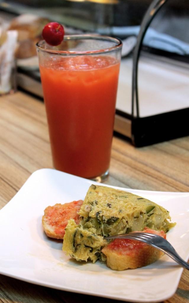 La Churreria - Tortilla y jugo