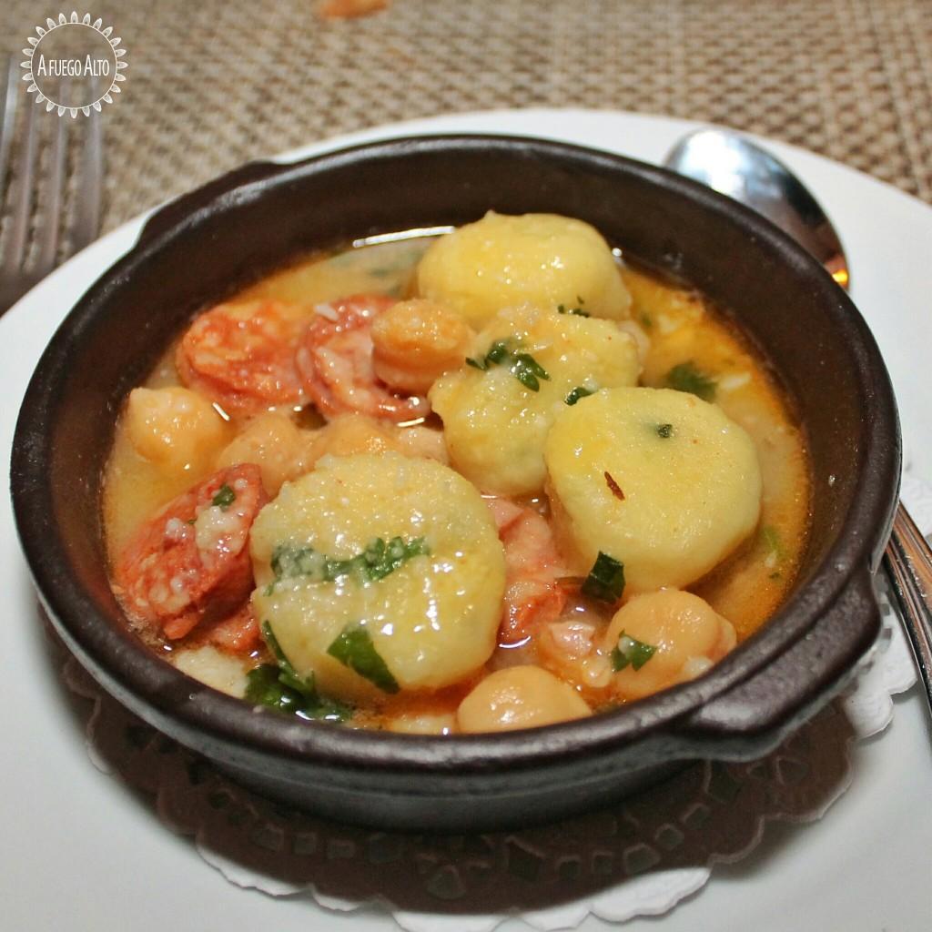 Estofado de Garbanzos con Chorizos Ibéricos y Gnocchi de Patatas