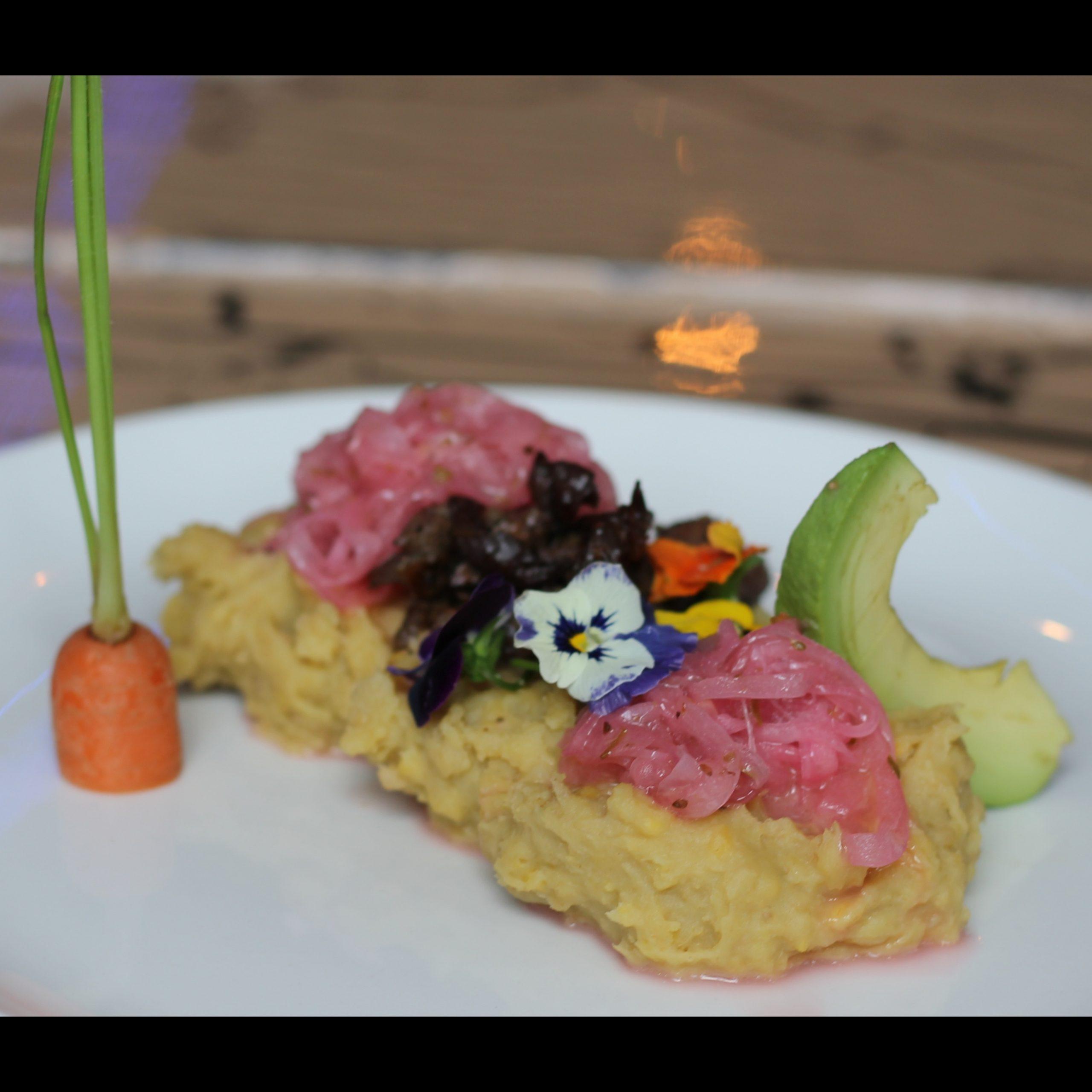 Attika Club - Mangú con churrasco - Mangu Challenge Lawrence