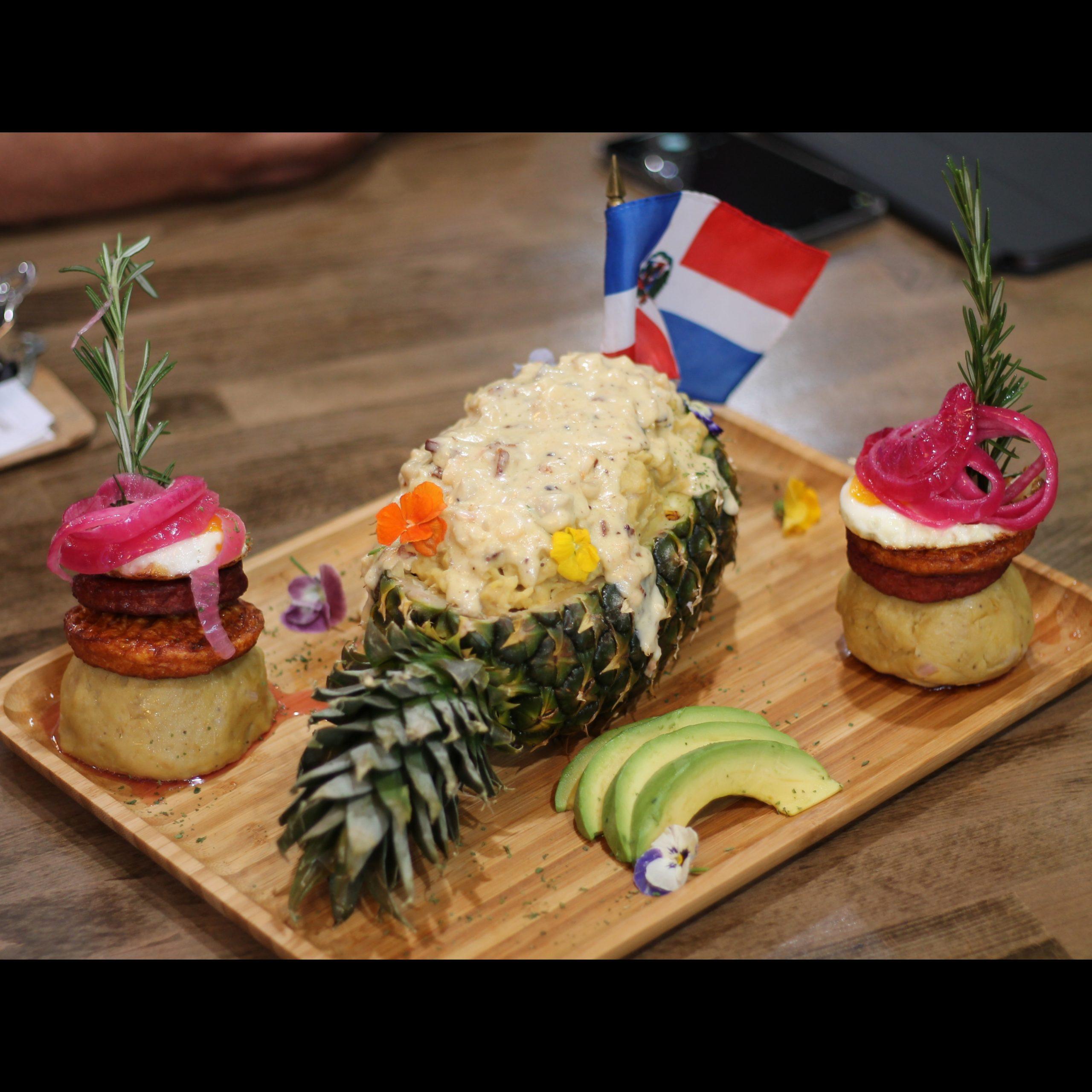 Blue Lounge - Mangu con camarones y lambi - Mangu Challenge Lawrence