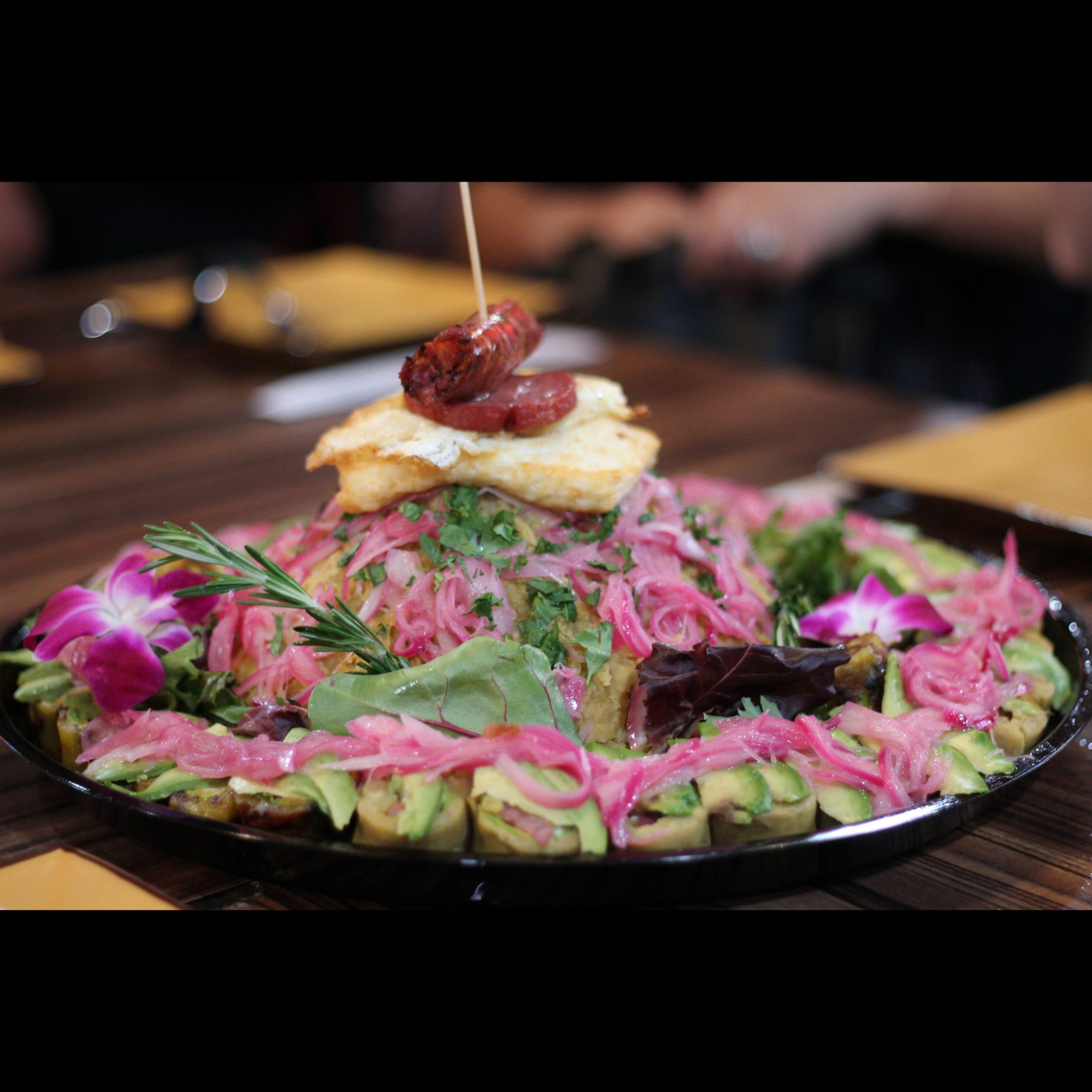 Vaka Restaurant - Mangu volcano con sushi de mangu - Mangu Challenge Lawrence